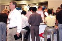 crowded_booth_ idug